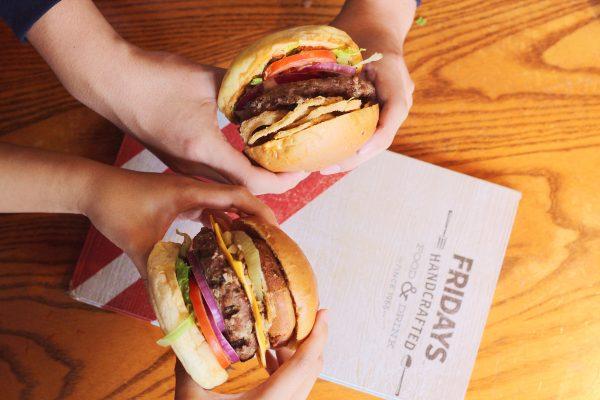 TGI FRIDAYS啟動2019「漢堡日」,四款漢堡話題新品強勢登場!