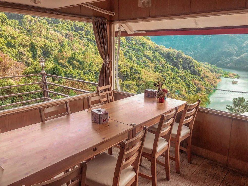 【桃園 復興】台七線上的景觀咖啡廳,坐擁碧水藍天的美景