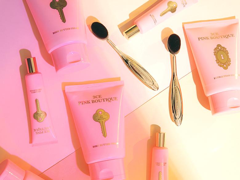 彩妝到沐浴用品都要占領你的生活,3CE可愛的粉紅公寓包裝完全抓住少女的心…還有荷包!