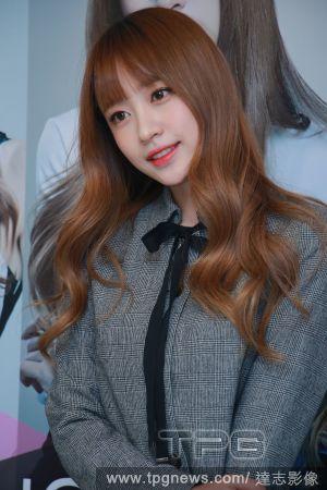 閃閃發光、桃花朵朵開!5大韓女星的戀愛好心情妝