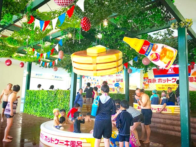 史上最搞怪溫泉!森永糖果楓糖漿x箱根小涌園推出甜味濃郁的「鬆餅溫泉」!